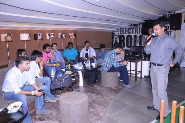 Anupan Vasudev doing discussion with Bloggers