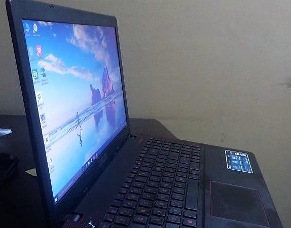 Asus R510J Display
