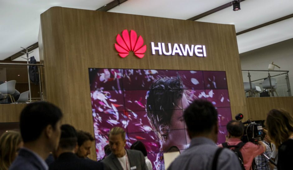 "Huawei Wins 2016 ""Best Consumer Electronics Brand"" in China"